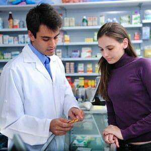 Женщина и аптекарь
