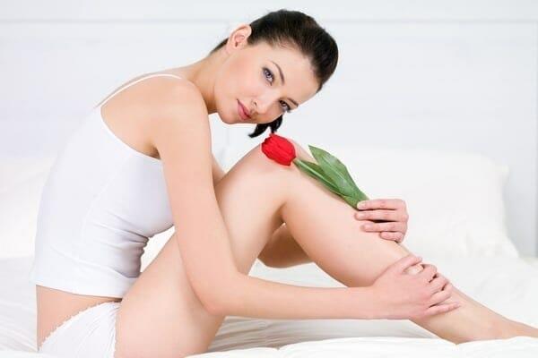 Девушка с тюльпаном