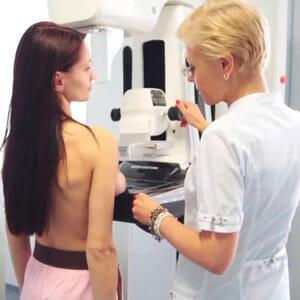 На приеме маммолога