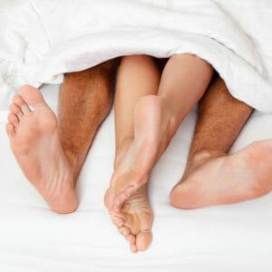 женские и мужские ноги