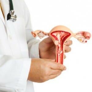 Выделения с кровью в середине цикла: слизистые и сгустками, после родов и при беременности