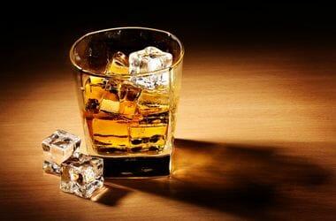Алкоголь со льдом